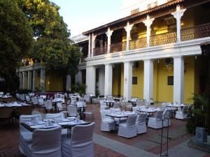 Dining al fresco, Royal Orchid Metropole Hotel