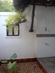 Open-air shower and bathroom