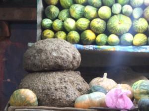 Elephant's foot yam, Munnar market